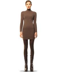 Коричневое платье-свитер