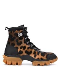 Женские коричневые ботинки на шнуровке из ворса пони с леопардовым принтом от Moncler