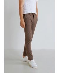 Коричневые брюки чинос от Mango Man