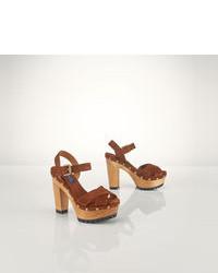 Коричневые замшевые босоножки на каблуке