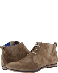 Коричневые замшевые ботинки дезерты