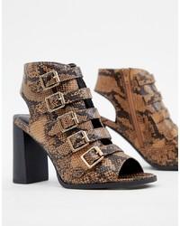 Коричневые кожаные босоножки на каблуке со змеиным рисунком от New Look