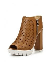 Коричневые кожаные босоножки на каблуке от Fersini