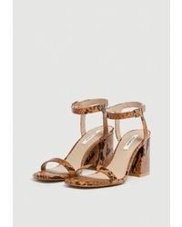 Коричневые кожаные босоножки на каблуке от Pull&Bear