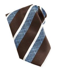 Коричневый галстук в вертикальную полоску