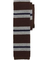 Коричневый галстук в горизонтальную полоску