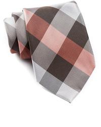 Коричневый галстук в клетку