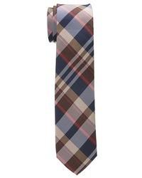 Коричневый галстук в шотландскую клетку