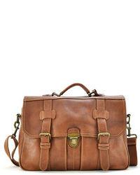 Коричневый кожаный портфель