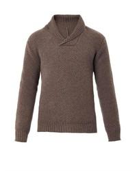 Коричневый свитер с отложным воротником