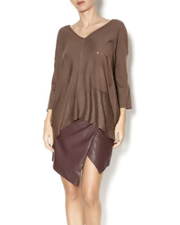 Женский коричневый свободный свитер