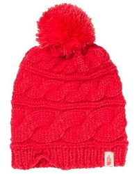 Красная вязаная шапка