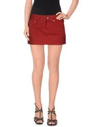 Красная джинсовая мини-юбка