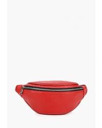 Красная кожаная поясная сумка от Fiato
