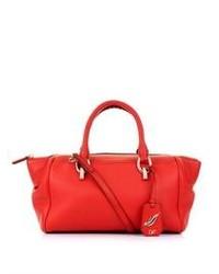 Красная кожаная спортивная сумка