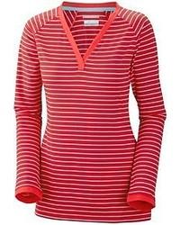 Красная футболка с длинным рукавом в горизонтальную полоску