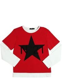 Красная футболка с длинным рукавом