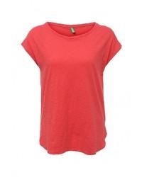 Женская красная футболка с круглым вырезом от United Colors of Benetton