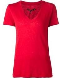 Красная футболка с v-образным вырезом