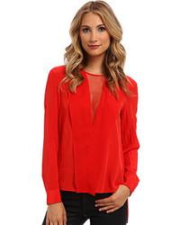 Красная шелковая блузка с длинным рукавом