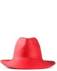 Красная шерстяная шляпа