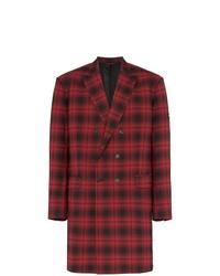 Красное длинное пальто в шотландскую клетку