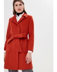 Женское красное пальто от La Reine Blanche