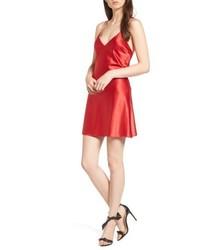 Красное платье-комбинация