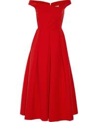 Красное платье-миди со складками