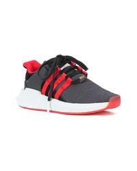 Красно-черные кроссовки