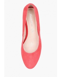 Красные замшевые туфли от Alessio Nesca
