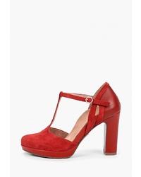Красные замшевые туфли от Heart & Sole by Tamaris