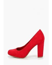 Красные замшевые туфли от Marco Tozzi