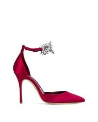 Красные сатиновые туфли от Manolo Blahnik