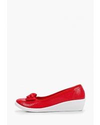 Красные туфли на танкетке из плотной ткани от T.Taccardi