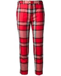 Красные узкие брюки в шотландскую клетку