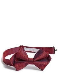 Красный галстук-бабочка