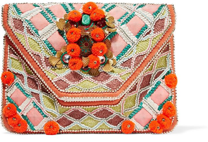 5bbd58f77b29 Красный клатч с вышивкой от Antik Batik | Где купить и с чем носить