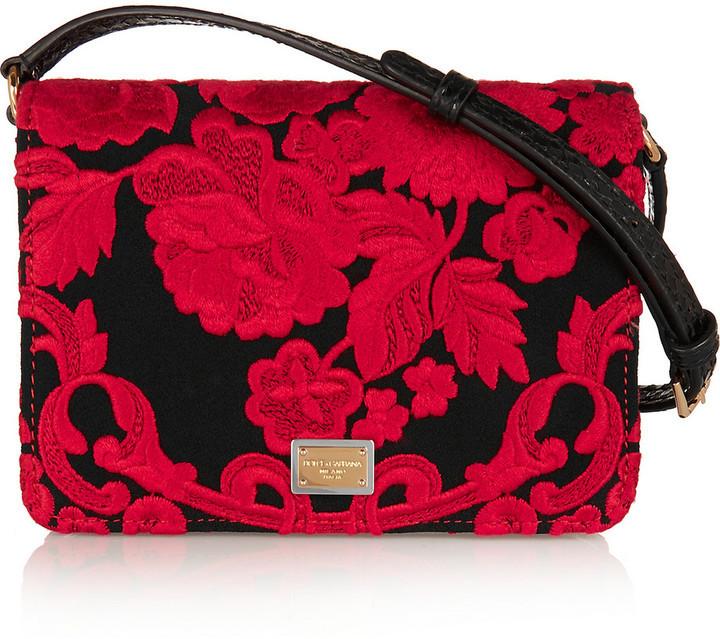 370965fb909f Красный клатч с вышивкой от Dolce & Gabbana, 104 433 руб. | NET-A ...