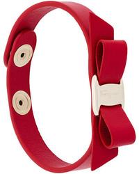 Красный кожаный браслет от Salvatore Ferragamo