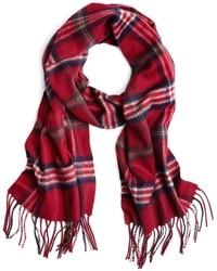 Красный шарф в шотландскую клетку