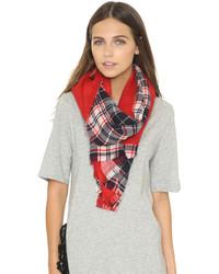 Женский красный шарф в шотландскую клетку