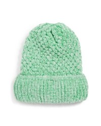 Мятная вязаная шапка