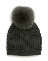 Оливковая вязаная шапка