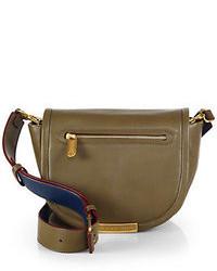 Оливковая кожаная сумка через плечо