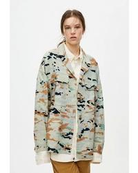 Оливковая куртка в стиле милитари с камуфляжным принтом от Pull&Bear