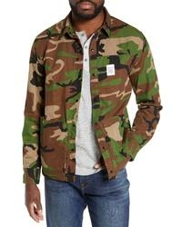 Оливковая куртка-рубашка с камуфляжным принтом