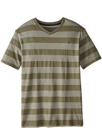 Оливковая футболка в горизонтальную полоску