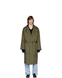 Оливковое длинное пальто от Nanushka