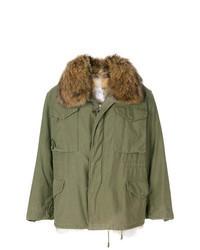 Оливковое пальто с меховым воротником